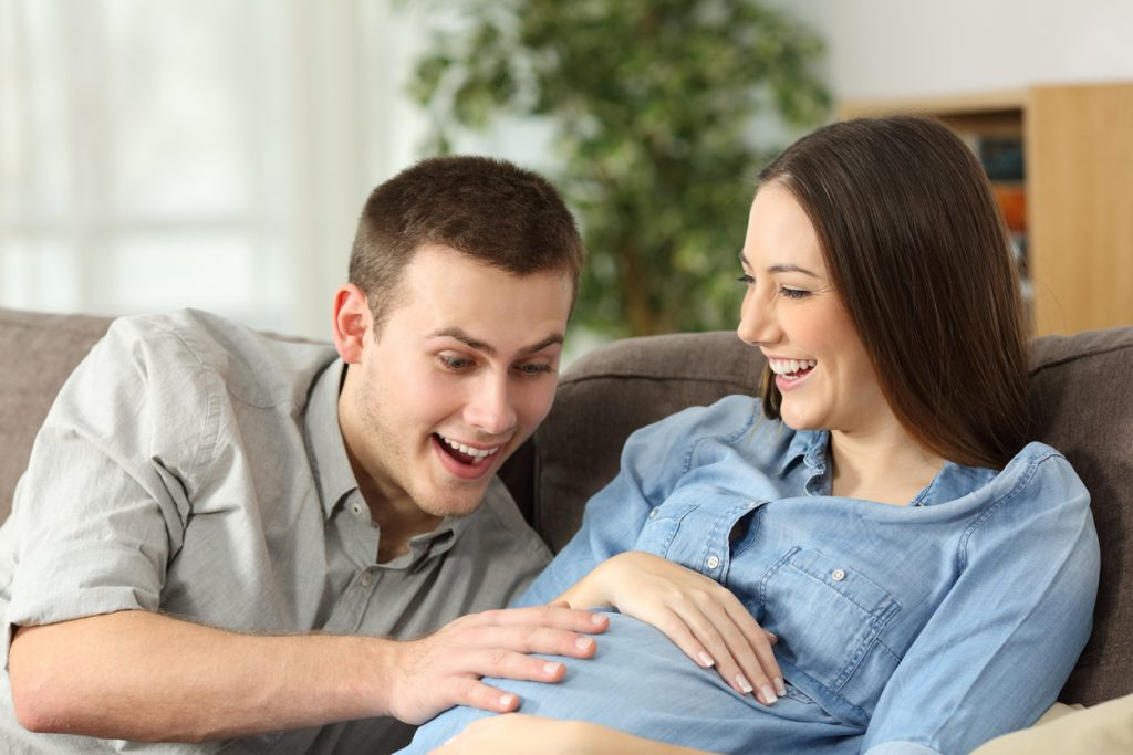 b347e7bf9 Estar embarazada es una experiencia única pero llena de dudas. Muchas de  estas preguntas están relacionadas sobre cuándo empiezas a notar el bebé.